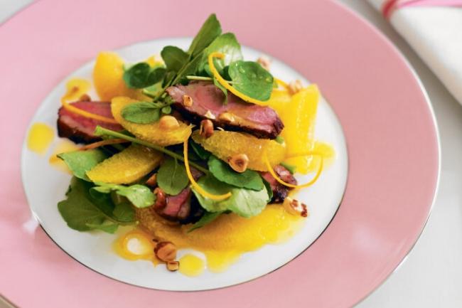 Салат с уткой, апельсинами и шпинатом